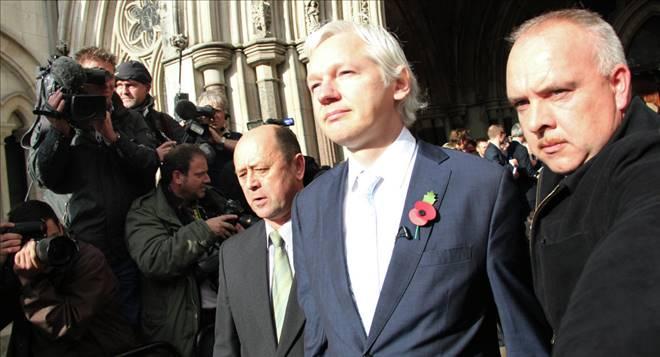 Assange: Batı Ukrayna`yı yanına çekmek için STÖ`leri fonladı