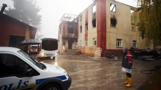 Adana'daki yurt yangınıyla ilgili 6 kişi gözaltına alındı