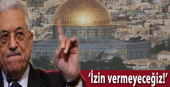 """Filistin Devlet Başkanı Abbas """"Mescid-i Aksa'nın kapılarında arama dedektörlerine izin vermeyeceğiz!"""""""