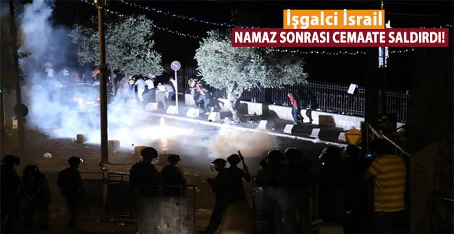 İşgalci İsrail polisi namaz sonrası cemaate saldırdı: 13 yaralı