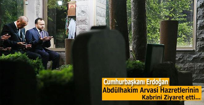 Cumhurbaşkanı Erdoğan Abdülhakim Arvasi Hazretleri'nin kabrini ziyaret etti!