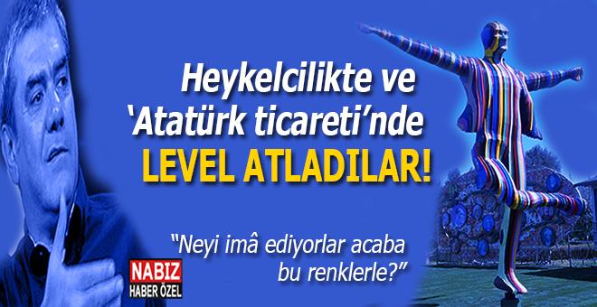 """Bir acayip Atatürk heykeli; """"Neyi imâ ediyorlar acaba bu renklerle?"""""""