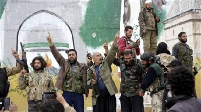 İdlib Muhaliflerin eline geçti