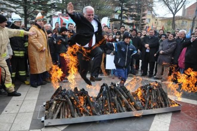 Nevruz ateşi Valiyi yakıyordu