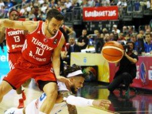 Basketbol Milli takımı İtalya'yı devirdi!