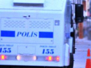 Mersin'de polise saldıran iki teröristen biri ölü bir yaralı ele geçirildi!