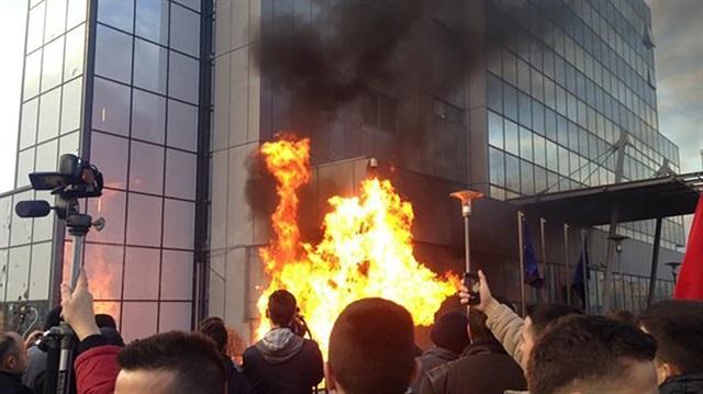 Kosova yine karıştı!