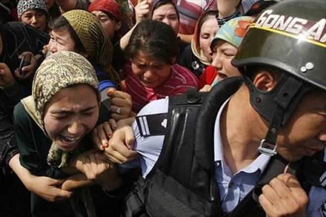 İşgalci Çin 3 Uygur`u daha idam etti!