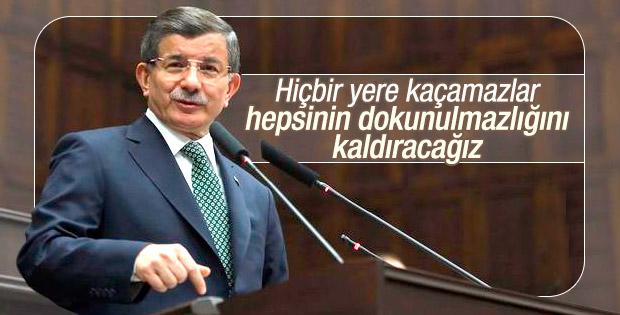 """Başbakan Davutoğlu; """"Hiçbir yere kaçamazlar! Hepsinin dokunulmazlığını kaldıracağız!"""""""
