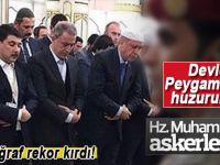 Erdoğan ve Akar'ın Mescid-i Nebevi'deki namaz fotoğrafı paylaşım rekoru kırdı