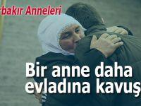 HDP önünde eylem yapan bir aile daha evladına kavuştu!