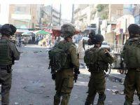 Askere taş ve molotofkokteyli atan Filistinliye 'ateş açma' yetkisi verildi