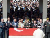 Şehit Binbaşı Güzel'in cenazesi Ankara'da toprağa verildi