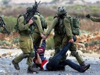 İsrail 50 Filistinliyi gözaltına aldı