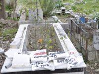 Hatay'da şehidlerin mezarlarına saldırdılar!